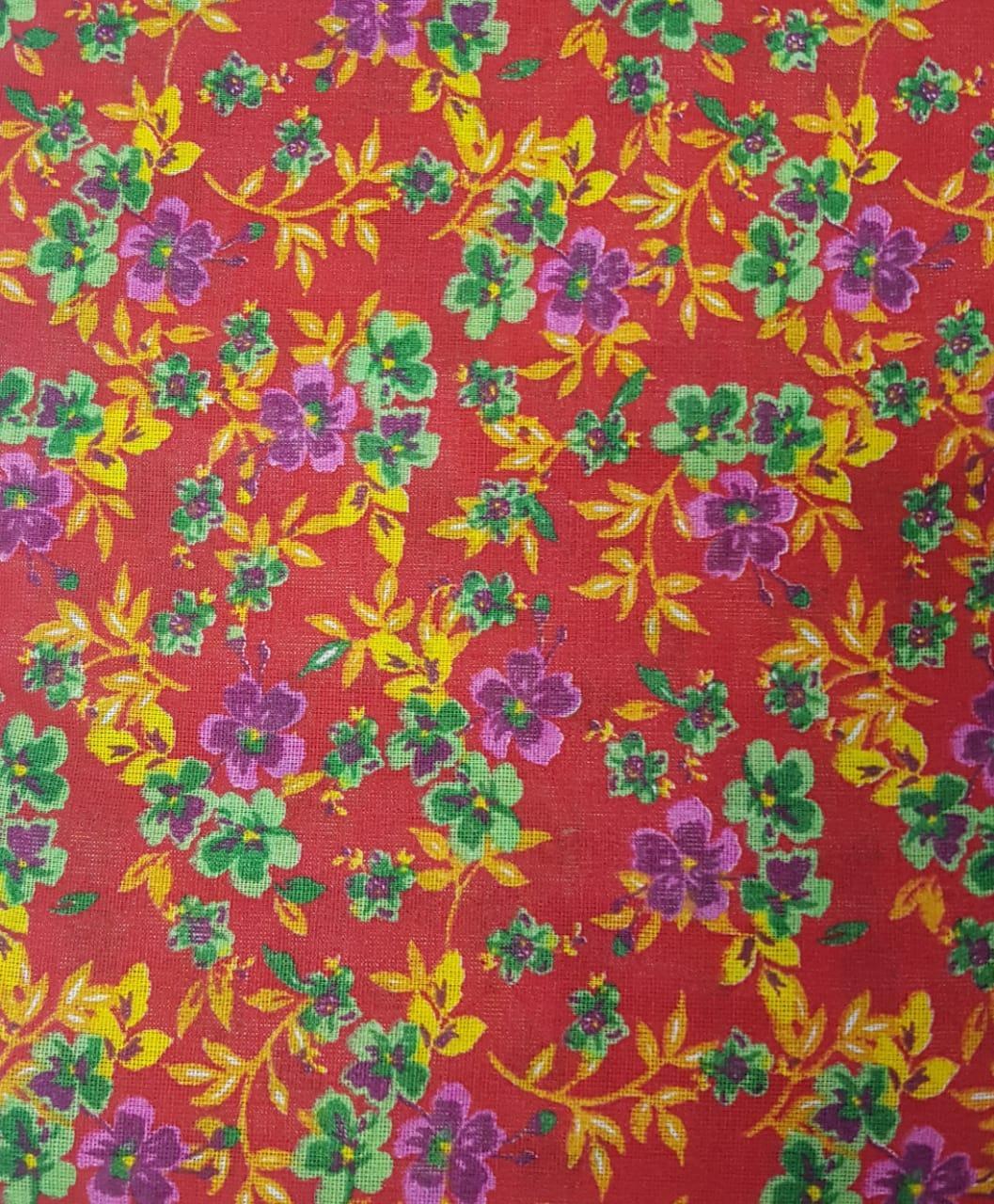 Tecido Chita Vermelho com Flores Verde e Lilas