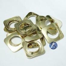 Ilhós Quadrado Cromado Dourado 19mm